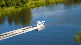 贝加尔湖小船湖马达全景 免版税图库摄影