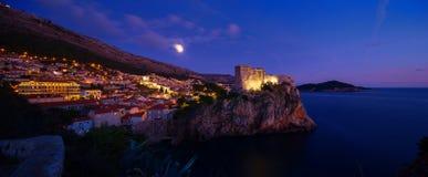 Взгляд ночи Дубровника Хорватия Стоковое Изображение RF