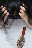妇女掉头发问题 库存图片