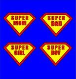超级妈妈、爸爸、女孩和男孩 免版税库存图片