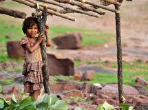 Ένα μικρό ινδικό φυλετικό κορίτσι Στοκ εικόνα με δικαίωμα ελεύθερης χρήσης