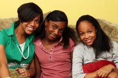 少年非洲裔美国人的姐妹 库存图片