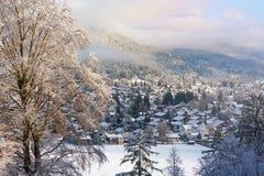 背景横向山西班牙白色冬天 滑雪胜地加米施・帕藤吉兴,德国 库存图片