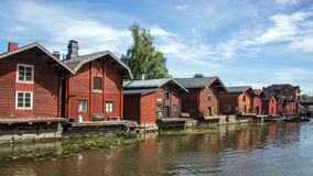 五颜六色的镇在芬兰 免版税图库摄影