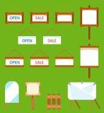 垂悬在绳索和横幅的木和纸牌 动画片重点极性集向量 免版税库存照片