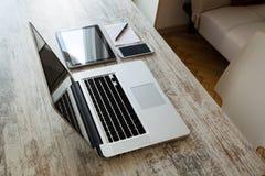 ψηφιακό λευκό απεικόνισης συσκευών σχεδίου ανασκόπησης Στοκ εικόνες με δικαίωμα ελεύθερης χρήσης