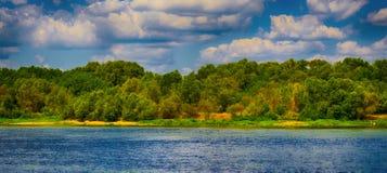 河沿 免版税图库摄影