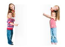 与白色横幅的孩子 库存照片