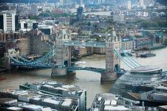 Панорама Лондона с рекой Темзой моста башни Стоковое Изображение