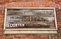 Античный знак аптеки Стоковая Фотография