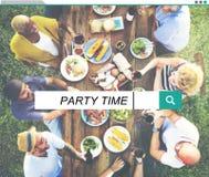 Концепция летнего отпуска наслаждения пляжа времени партии Стоковое Изображение RF