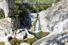 在罗多彼州山的瀑布 库存照片