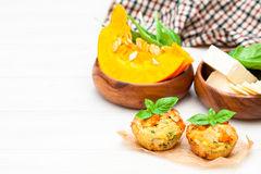 南瓜松饼用乳酪和种子 免版税库存图片