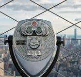 一台双眼旅游望远镜的细节 图库摄影
