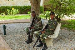 两位伞兵在多米尼加共和国 免版税库存图片