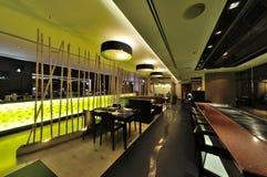 餐馆室内设计 免版税库存照片