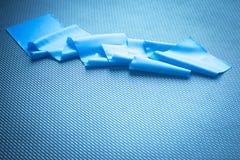 舒展瑜伽橡皮筋儿皮带健身俱乐部的普拉提 库存照片