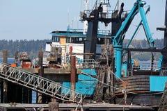 在口岸的商业捕鱼业小船 免版税库存图片