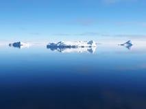 南极洲冰山风景 免版税库存照片