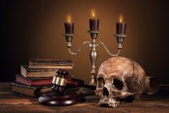 Фотография искусства натюрморта на человеческом скелете черепа Стоковые Изображения