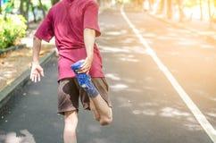 做准备在跑前的人 免版税库存图片