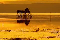 金黄小时在一个渔村 免版税库存照片