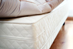 Тюфяк и подушка Стоковые Фото