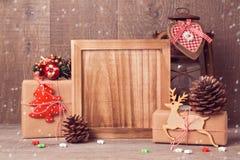 木板嘲笑为圣诞节艺术品或问候介绍 免版税图库摄影