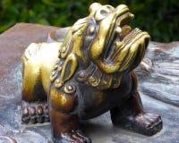 Малый бронзовый лев Стоковая Фотография