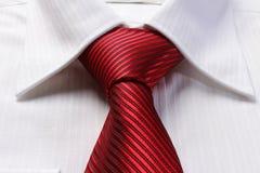 人的红色领带 免版税库存照片
