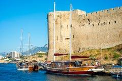 凯里尼亚城堡,东北镇塔 塞浦路斯 库存图片
