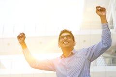 Азиатский индийский бизнесмен подготовляет вверх Стоковые Фото