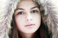 青少年的女孩在冬天 免版税库存照片