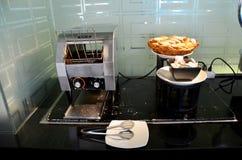 多士面包或多士炉的机器 免版税库存图片