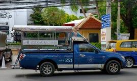 泰国芭达亚独特的公共交通车 免版税库存照片