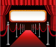 Красный цвет события премьеры кино красного ковра элегантный Стоковое Фото