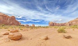 纪念碑谷的全景,美国 免版税库存照片
