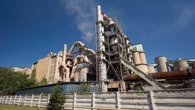 εργοστάσιο τσιμέντου παλαιό Στοκ εικόνα με δικαίωμα ελεύθερης χρήσης