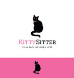 宠物开会或宠物照管事务的坐的猫商标 免版税图库摄影