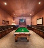 Интерьер, роскошная комната с бильярдным столом Стоковое Изображение