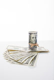钞票一百美元,栓与绳索 库存照片