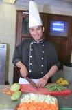 овощ вырезывания шеф-повара Стоковые Изображения