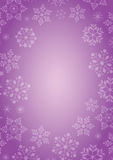 与雪花边界的紫色背景 库存照片