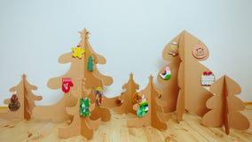 圣诞树由纸板制成 新年度 免版税库存图片