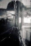 残破的玻璃窗 免版税库存图片