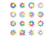 抽象现代元素商标、圈子彩虹花、套圆花卉,星、箭头和太阳标志象传染媒介设计 免版税库存照片