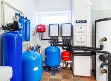 现代锅炉内部与一个锅炉的在一个深井泵浦 库存图片