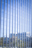 Παράθυρα φραγμών πύργων επιχειρησιακών γραφείων ουρανοξυστών Στοκ Φωτογραφία