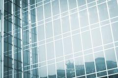Παράθυρα φραγμών πύργων επιχειρησιακών γραφείων ουρανοξυστών Στοκ Εικόνες