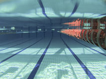 κολυμπώντας ύδωρ ομπρελών λιμνών Στοκ εικόνες με δικαίωμα ελεύθερης χρήσης